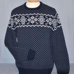 IZOD Men's Sweater Size Medium Snowflake Design